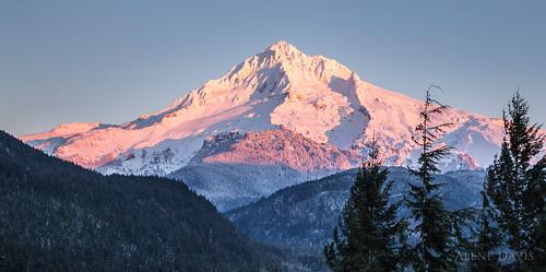 winter mountain snow landscape scenic mthood alpenglow lolopass mthoodnationalforest moutainpeak