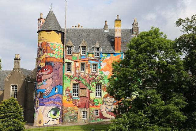 Разрисованный замок