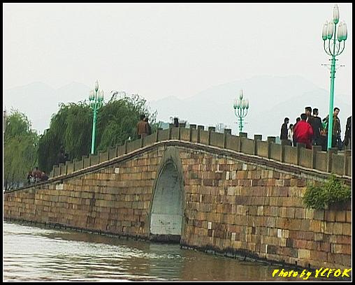 杭州 西湖 (其他景點) - 103 (從北山路湖畔看西湖十景之 斷橋)