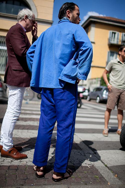 青ワークジャケット×紺チノパン×レザーサンダル