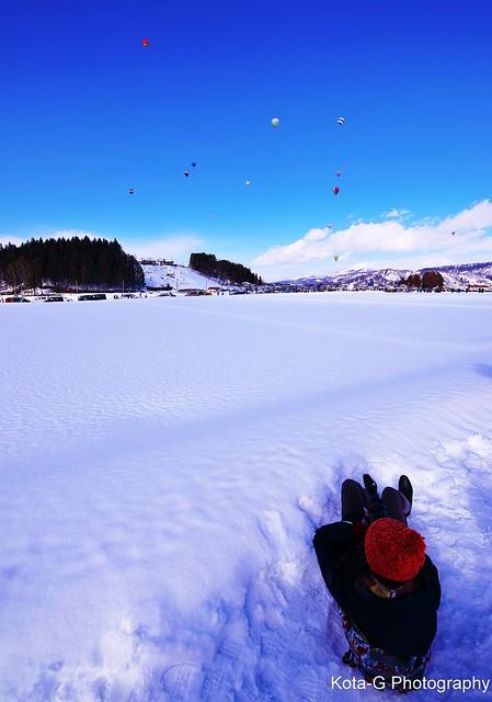 Photographer.    -hot air balloon-