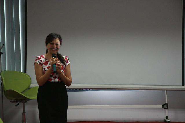 Chị Nguyễn Thị Mỹ Hạnh, giám đốc trung tâm UNESCO-CEP phát biểu tại chương trình.