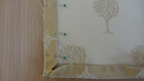 Envelope cushion: trim corner
