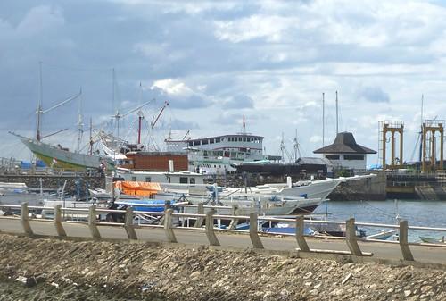 Sulawesi13-Bira-Tour-Port (33)