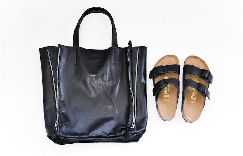 Modern Legacy fashion style blog Australia leather shopper Birkenstock Arizona sandal black 2 (1 of 1)