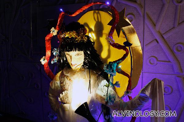 A lantern resembling Chang-Er