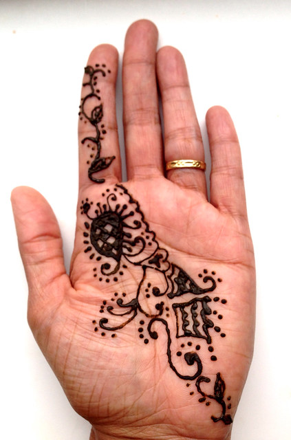 Henna at Jadoo will be much better than this!