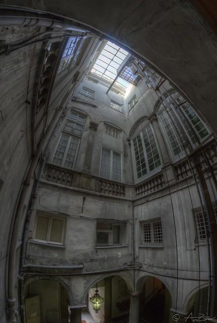Genova Palazzo Sinibaldo Fieschi 2013-07-11 182808 fisheye