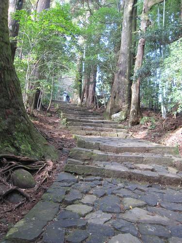 石畳が続く熊野古道 by Poran111