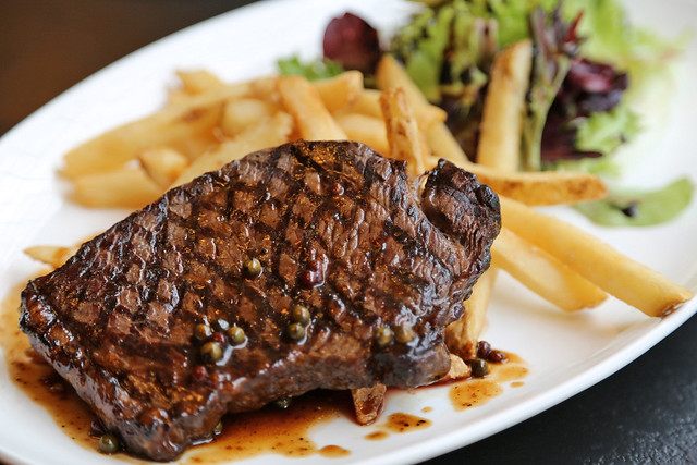 Santa's Wagyu Steak Frites (S$28.80)