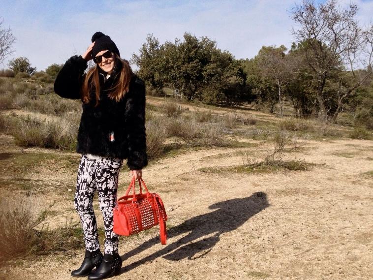 lara-vazquez-madlula-blog-winter-2012-black-white-look