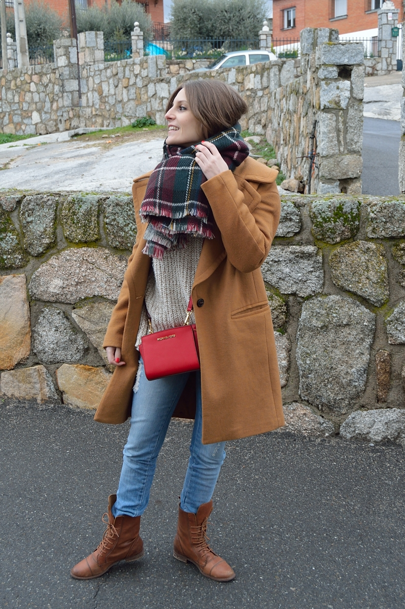 lara-vazquez-madlula-brown-coat-look-winter