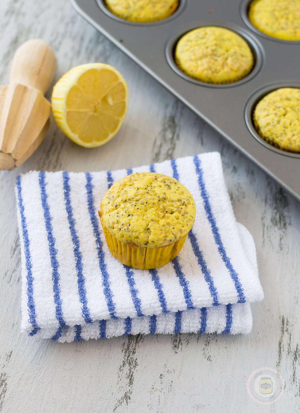 Light Lemon Poppy Seed Muffins with Pan 3