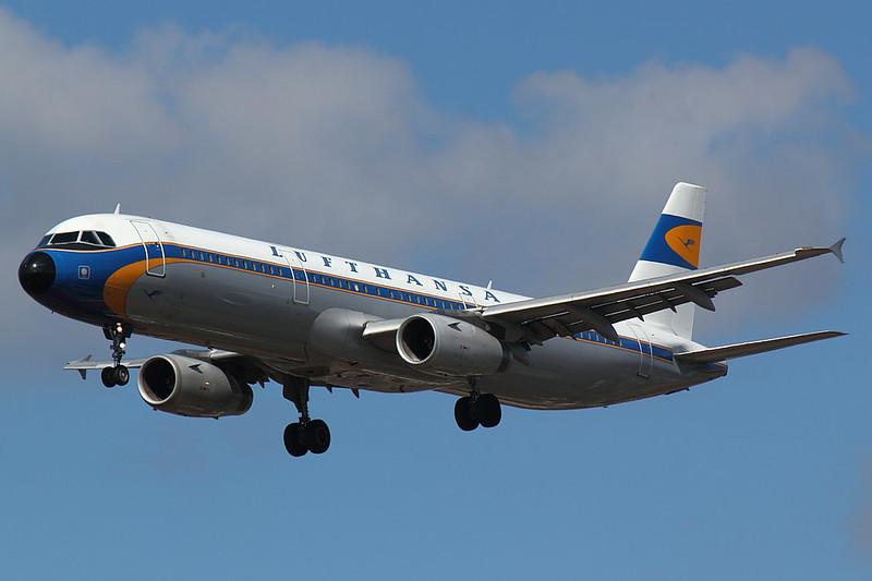 Lufthansa - A321 - D-AIRX (1)