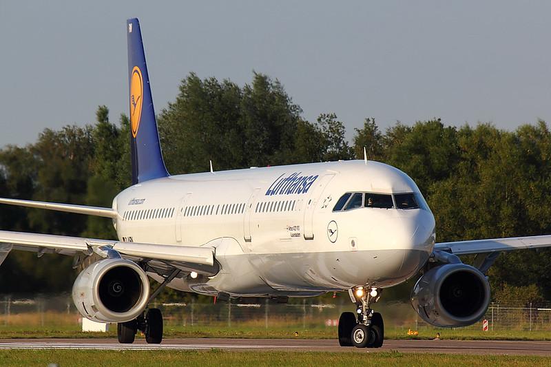 Lufthansa - A321 - D-AIRN (2)