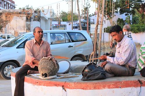 20130218_0741-Pushkar-musicians