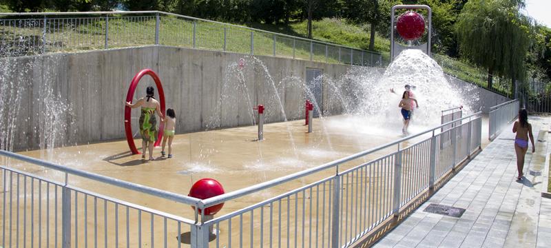 Ampliado el horario de los juegos de agua del parque de Ongarai