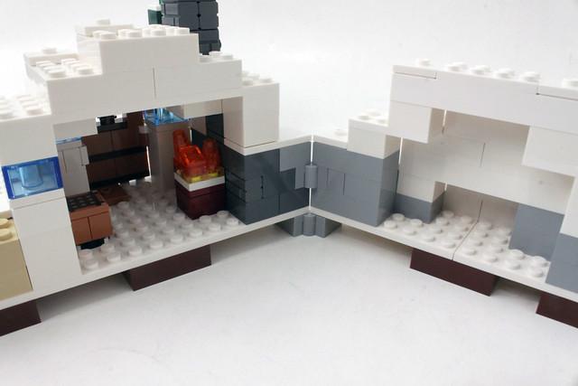 Review - 21120 LEGO Minecraft The Snow Hideout από BRICKFAN 19571455389_f5f1d701e4_z