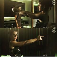 Carolina e a arma q era do pai... #BlogAuroradeCinemadeolhonaTV #TVGlobo #globo50anos #VerdadesSecretas #bookrosa #DricaMoraes #triângulo
