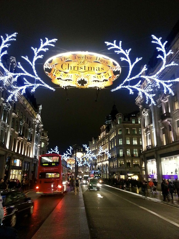 Shopping Christmas, Regent St., London, ©evaespinet