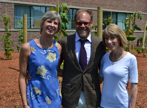 The Meal Makeover Moms with Alton Brown