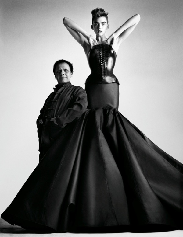 600xNxazzedine-alaia-at-the-palais-galliera-01.jpg.pagespeed.ic.BWgXSR8UFP