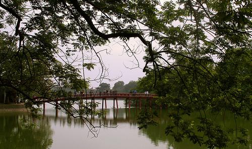 Puente The Huc en Hanoi