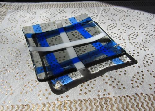 青いチェックのお皿 140mmx140mm by Poran111