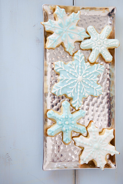 Decorating with Royal Icing: Recipe and Step-by-Step Tutorial