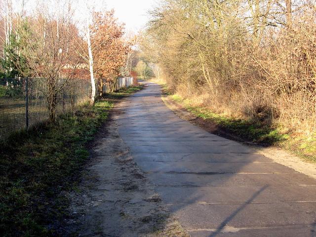 betonowa droga w Okołowicach