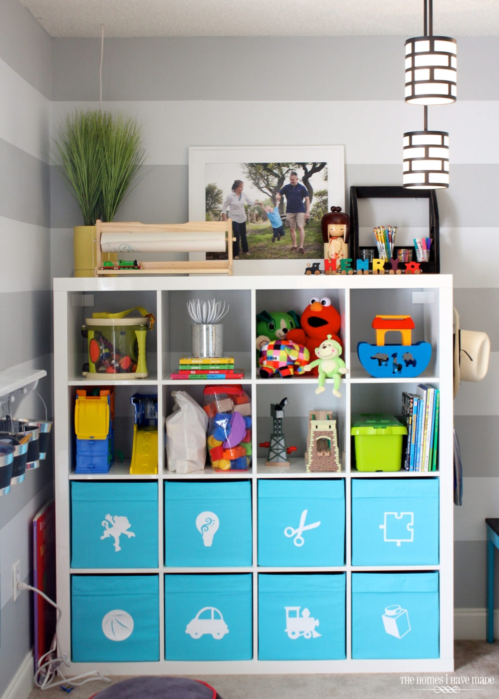 Expedit in the Playroom-003