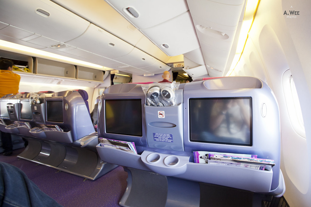 Thai Airways Boeing 777-300 Interior Thai Airways' 777-300