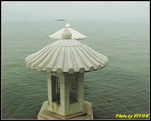 杭州 西湖 (其他景點) - 588 (西湖十景之 柳浪聞鶯 湖面上的石燈籠)