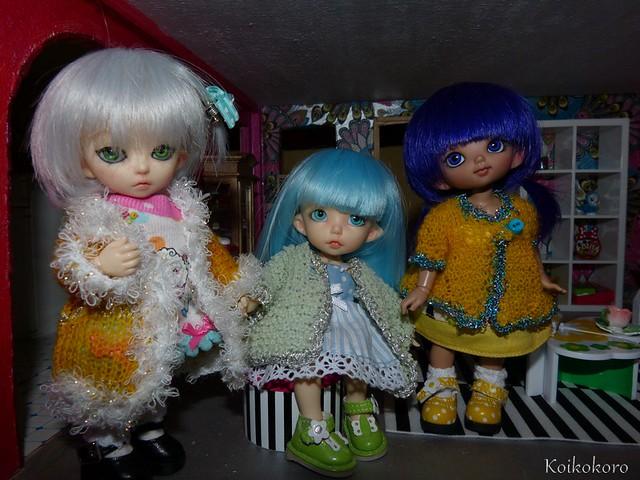 En avril ne te découvre pas d'un fil... Ma grand mère ne s'arrete plus de tricoter ^^