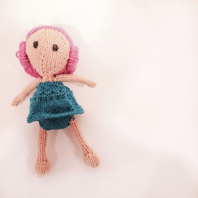 A knit version of the #chocolatemintsinajardolls #knitting
