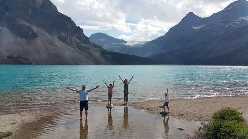 Bow lake & glacier