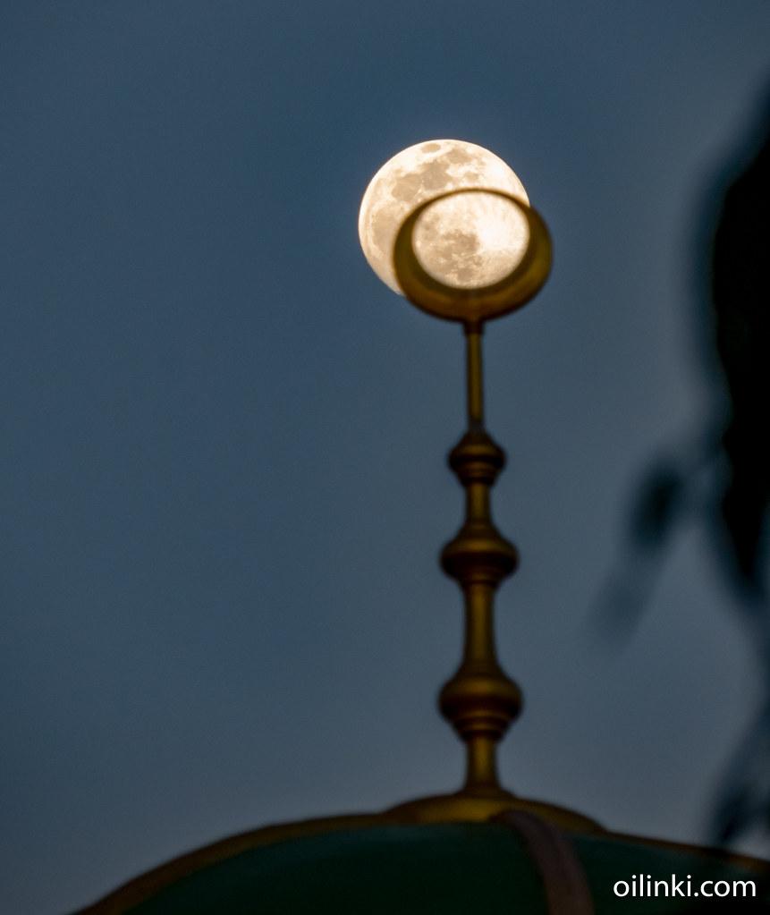 Moon Ban Bang Rong mosque