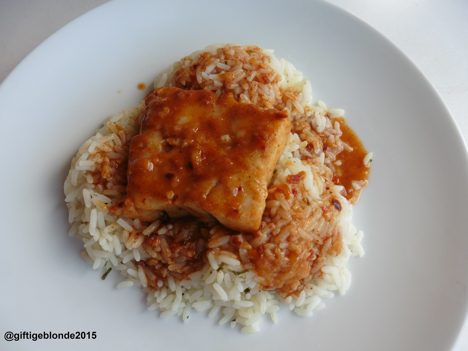Polardorsch mit scharfer Chili-Paprikasauce Sauce