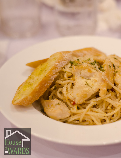 Dine 'n Dash Chicken Aglio Olio - Solo Php129.00 / To Share Php209.00