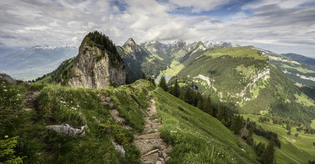 Alpstein - bělostné a krásně vyvrásněné kopce Kronberg a Säntis