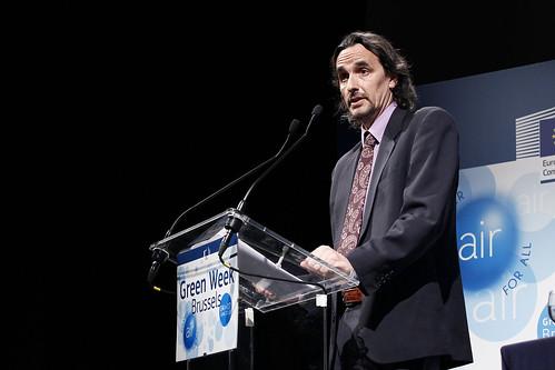 Dr Robert Field