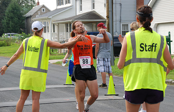 Mike Sewell, overall 10k winner
