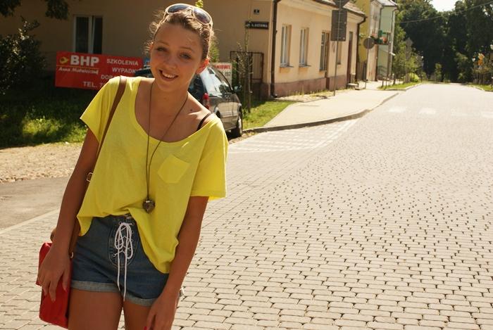 stylizacja z wakacji, oversizowa bluzka h&m