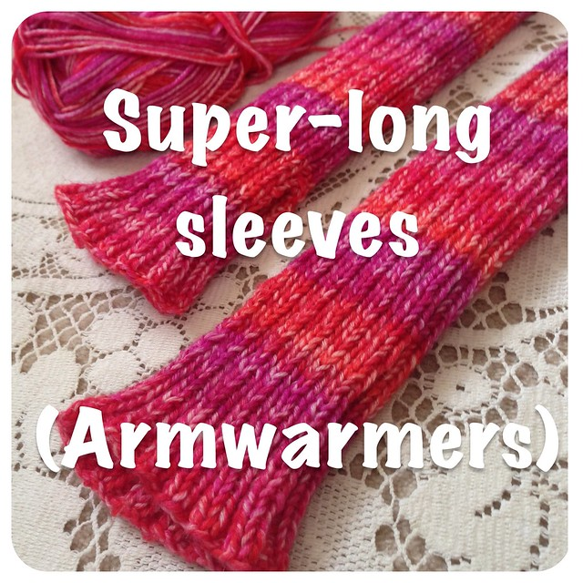 Crafts from the Cwtch's simple recipe for long ribbed armwarmers.