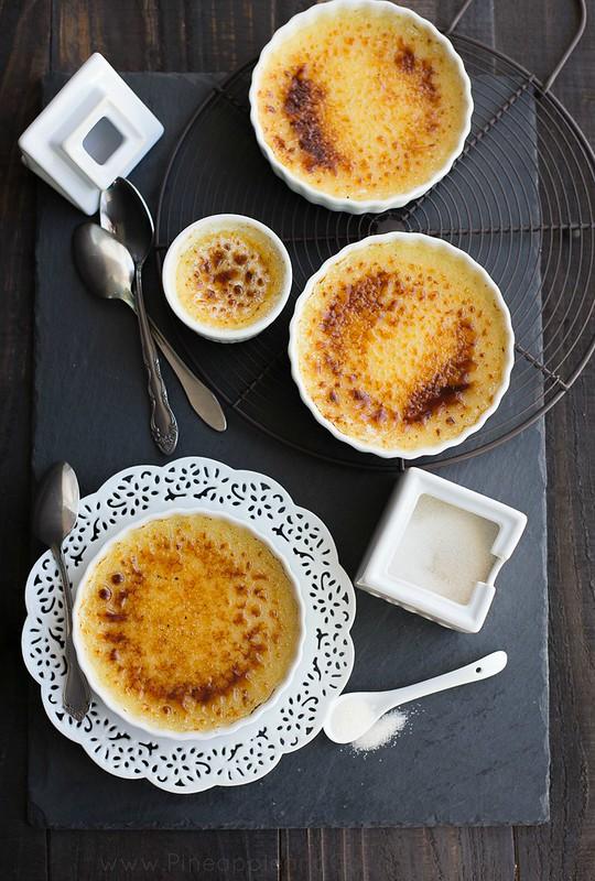 Vanilla Bean Creme Brulee #LivelikeJulia www.pineappleandcoconut (1)