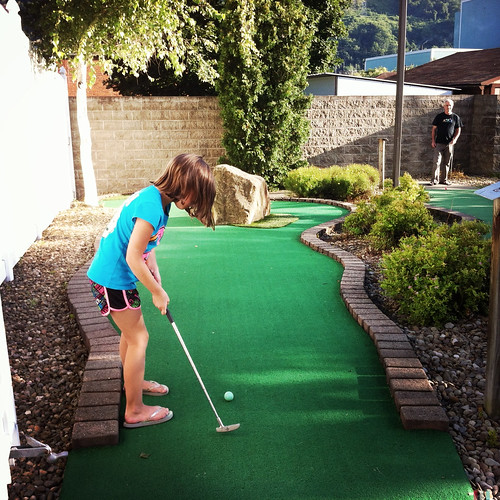 Lauren putting.