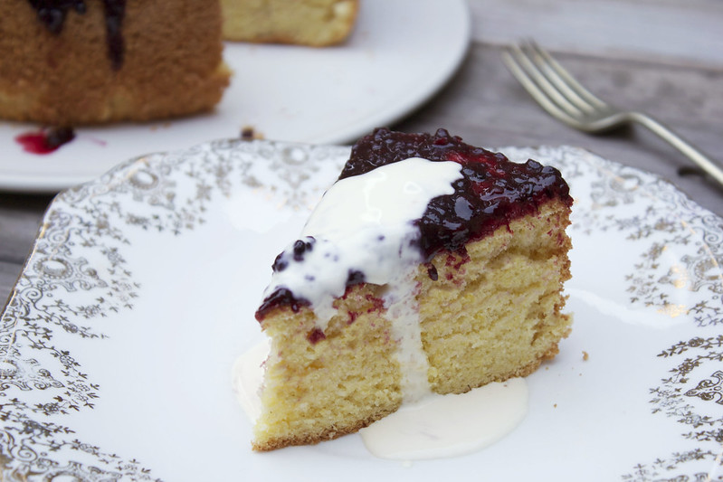 Lemon polenta cake sliced