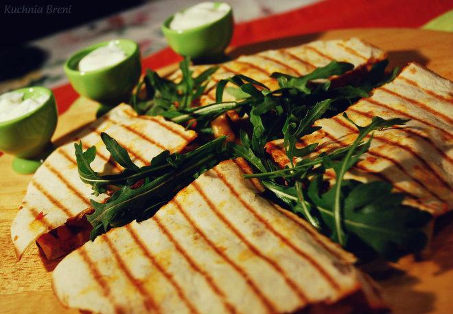 Quesadilla z warzywami i papryczką jalapeno