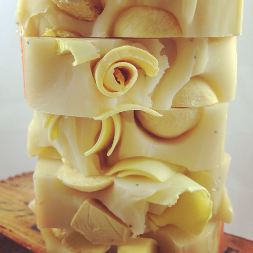 Honeysuckle Soap by The Daily Scrub