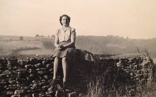 1947 Philippa Sutherland, cook at Cheltenham Ladies College, England